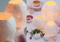 Un photophore en papier mâchéPour Pâques, fabriquez vous-même dedélicats photophores en forme d'œuf. En utilisant des ballons et du papier maché, une technique simplissisime pour un résultat bluffant. Victorian Dollhouse, Kirigami, Ballons, Deco Table, Diy Design, Activities For Kids, Eggs, Diy Crafts, Projects