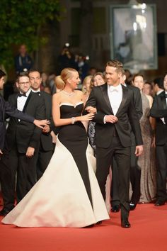 Pin for Later: Blake and Ryan Are Absolutely Flawless in France