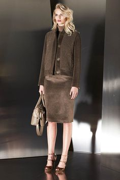 precious-emerald-in-escada-fall-2014-collection-27