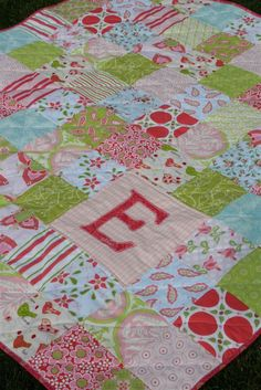 baby quilt with monogram | quilt love the idea of just the baby s initial on the quilt instead ...