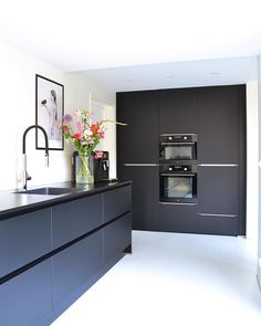 23 veces he visto estas serenas cocinas modernas. colosal cocinas modernas Blanco Y Negro Industrial Style Kitchen, Rustic Kitchen Design, Best Kitchen Designs, Home Decor Kitchen, Interior Design Kitchen, New Kitchen, Kitchen Walls, Decorating Kitchen, Kitchen Soffit