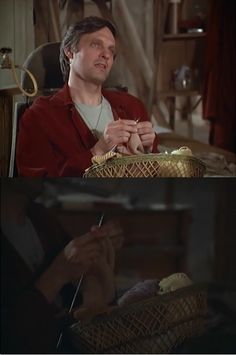Hawkeye Pierce, MASH One of my favorite shows. Don't remember the knitting! Knitting Humor, Knitting Projects, Knitting Patterns, Knitting Quotes, Knitting Club, Knitting Ideas, Free Knitting, Ned Flanders, Knit Art