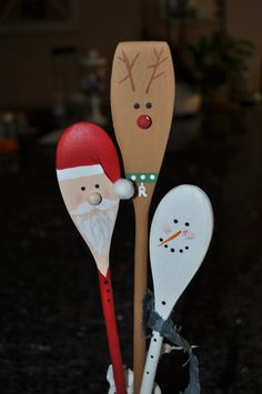 This set of 3 wooden whimsical spoons (sold individually or as a set, see pricing differences) have fun Winter characters. I have hand painted them front and back and have a clear semi-gloss protective coat of spray paint.  - Great gift idea or party favor - perfect kitchen or bathroom decoration - can be attached to a gift or a edible treat - can be added to a holiday flower arrangement - use a spoon to decorate a jar of homemade goodies - fun Christmas or Winter host/hostess gift…