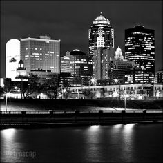 Black and White Photos of The Des Moines Iowa Skyline at Night - Metroscap.com