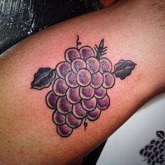 Tattoo by David Agostino. Wine Tattoo, Tattoo Traditional, Beautiful Tattoos, Black Tattoos, Print Tattoos, Tatting, David, Ink, Drawings