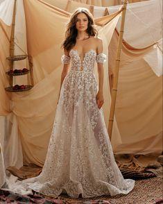 Boho Wedding Dress, Dream Wedding Dresses, Bridal Dresses, Wedding Gowns, Lace Wedding, Elegant Bride, Beautiful Bride, Vestidos Oscar, Muse By Berta