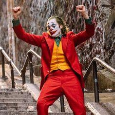Joaquin Phoenix 2019 Joker Red Suit by Arthur Fleck Joker Film, Joker Dc, Joker And Harley, The Joker, Joaquin Phoenix, Harley Quinn, Gotham City, Jared Leto, Fotos Do Joker