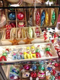 I remember Grandma n Grandpa had these. Ghost Of Christmas Past, Cozy Christmas, Retro Christmas, Little Christmas, All Things Christmas, Holiday Fun, Christmas Holidays, Christmas Ideas, Glass Christmas Decorations