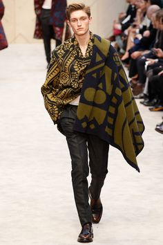 Oversize Bold Prints on Burberry Runways