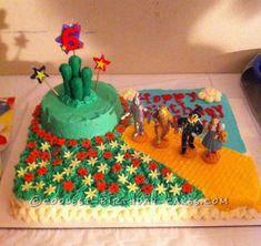 Coolest Wizard of Oz Cake... This website is the Pinterest of birthday cake ideas