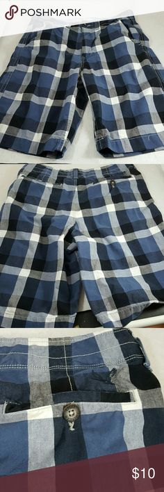 AE  men longer length shorts 30% off bundles of 2 Blue grey plaid in vgc normal signs of wear minimal around hem American Eagle Outfitters Shorts Cargo