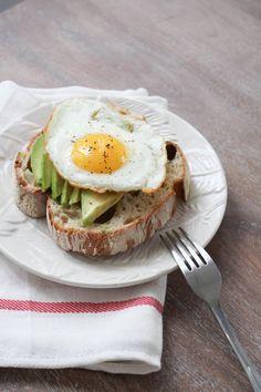 5 Easy Breakfast Ideas #theeverygirl