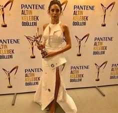 Oyku Karayelllllllllll😘 Actresses, Celebrities, Stars, Female Actresses, Celebs, Sterne, Celebrity, Star, Famous People