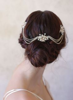 5 Perfect Hair Accessories for a Vintage Bride - Headpiece by Twigs & Honey