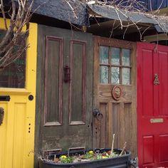 Door fence...super cute! & Old Doors Fences | Pinterest | Fences Doors and Gardens