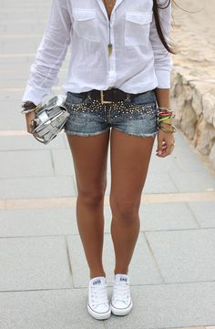 From Boho to Chiic: Embellished Shorts Summer Outfits Women, Casual Summer Outfits, Short Outfits, Classy Outfits, Stylish Outfits, Mode Outfits, Fashion Outfits, Fashion Tips, Look Blazer