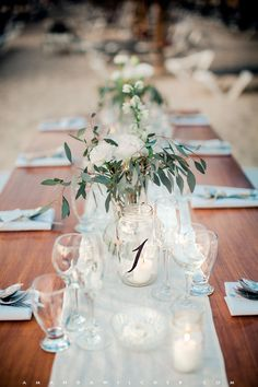 simple, and allows the eucalyptus it's natural drape