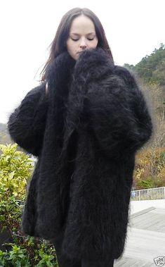 Wool Coat, Fur Coat, Mohair Sweater, Coats For Women, Mantel, Winter Fashion, Women's Fashion, Pretty, Clothes