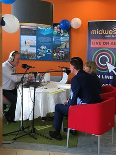 Mid West Radio are in Bank Of Ireland Westport to launch Smarter Pay Week - http://ift.tt/1HQJd81