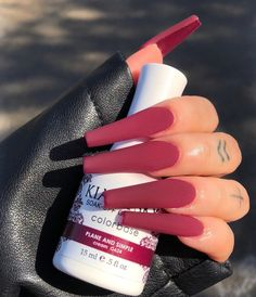 15 Stunning Burgundy Nails Design Ideas This Fall - The most beautiful nail designs Aycrlic Nails, Swag Nails, Grunge Nails, Stiletto Nails, Manicure, Classy Nails, Stylish Nails, Perfect Nails, Gorgeous Nails