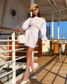 Tendance : comment porter le total look blanc comme Bella Hadid - Celebrity Style News: Celebrity Style Fashion and Latest Trends Outfits 90s, Outfits Casual, Cute Summer Outfits, Mode Outfits, Latest Outfits, Winter Outfits, Girl Outfits, Bella Hadid Estilo, Style Bella Hadid