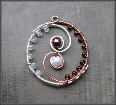 Yin yang pendant How cool is this, totally can see making this in a different color combination, really fun idea~