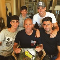 Danilo and his lovely family ; First Football, Football Love, Football Players, Zinedine Zidane, Thibaut Courtois, France Football, Beautiful Men Faces, Soccer Stars, Male Face