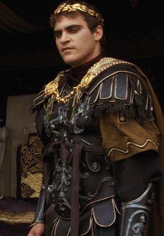 Joaquin Phoenix as Commodus in Gladiator, 2000 Gladiator Movie, Gladiator 2000, Commodus Gladiator, Joaquin Phoenix Gladiator, Film Serie, Ancient Rome, Roman Empire, Brad Pitt, Great Movies
