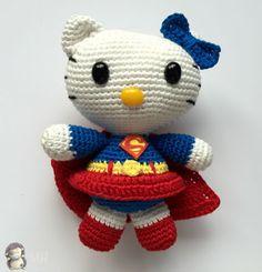 Hello Kitty Superwoman Amigurumi - Patrón Gratis en Español aquí: http://www.artedetei.com/2015/08/amigurumi-hello-kitty-superwoman-patron.html