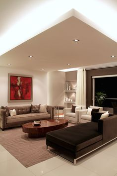 Vista del recibo y del falso techo con iluminación. #asesorialivingdesign #interiordesign