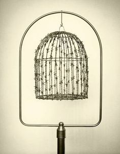 Spanish photographer Chema Madoz creates twisted, mind-bending images using everyday, ordinary objects. Placing the objects into surreal scenes, he fools Poema Visual, Larry Clark, Hidden Face, Montage Photo, Foto Art, Bird Cages, Wire Art, Spanish, Illustration Art