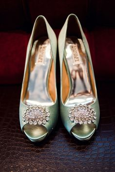 I think I miss wearing beautiful shoes so much that it's starting to become an obsession. Badgley Mischka.