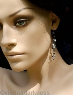 Ohrringe mit Süßwasserperlen und von viennadarkness auf Etsy www.viennadarkness.com Pearl Earrings, Drop Earrings, Collars, Pearls, Etsy, Jewelry, Fashion, Earrings, Pearl Studs