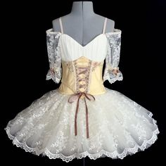 Performance dress and interact costumes capabilities on-trend patterns for those genres of dancing. Cute Dance Costumes, Tutu Costumes, Ballet Costumes, Costume Ideas, Dance Outfits, Dance Dresses, Flower Girl Dresses, Ballet Outfits, Ballet Images