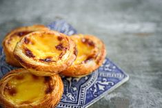 Doces portugueses: 12 delícias que você vai querer provar Te Verde Sencha, Quebec, Delicious Magazine, Cupcakes, Vegan, Onion Rings, What To Cook, High Tea, Tea Time