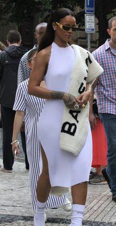 Rihanna Outfits, Swag Outfits, Classy Outfits, Girl Outfits, Cute Outfits, Fashion Outfits, Rihanna Clothes, Fashion Tips, Estilo Rihanna