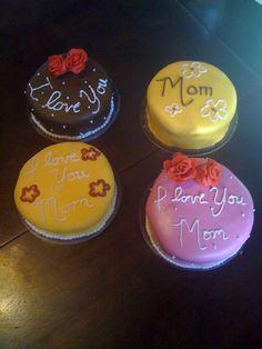 Small Mother's Day cakes
