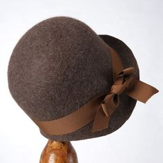 1920's Brown Miss Phryne Fisher Cloche Hat by SheinaAdelinaHats