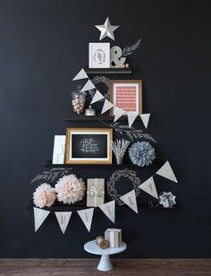 賃貸でも狭い部屋でも大丈夫!かわいい平面クリスマスツリー - Locari(ロカリ)