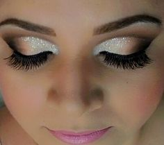 White, gold and brown eyeshadow idea