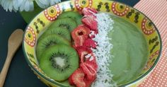 Tropical Minty Spirulina Smoothie Bowl