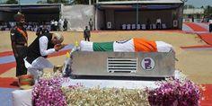 सुपुर्द-ए-खाक हुए डॉ. कलाम, पीएम मोदी और राहुल गांधी ने भी दी अंतिम विदाई