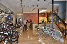 "https://flic.kr/p/9F83FH | Swerve Bike Shop in Oberlin | Downtown Oberlin plays host to a bike shop called ""Swerve.""  #Ohio #LorainCounty http://www.visitloraincounty.com/directory/swerve-bike-shop/"