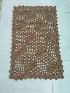 Tapete de crochê feito com barbante de boa qualidade Mede 0,94×0,56 Qual quer dúvida entre em contato com o vendedor