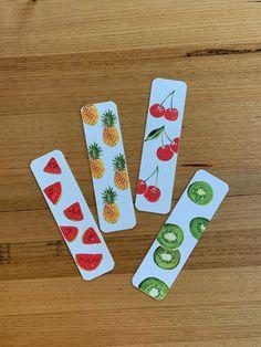 Creative Bookmarks, Diy Bookmarks, Cool Art Drawings, Easy Drawings, Bookmark Printing, Bookmark Craft, Watercolor Bookmarks, Book Markers, Diy Canvas Art