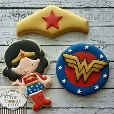 Laura The Cookie Lady:  Wonder Woman.  Adorable set!  ♡♡♡♡♡
