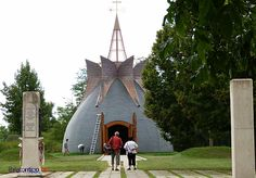Kis Balaton:A Makovecz Imre tervei szerint készült kápolna, sztupa, vagy ki, ahogy akarja nevezni Organic Architecture, Budapest Hungary, Planer, Past, Magic, Building, Design, Travel, Buildings