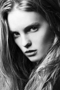 Mega Model Agency - Clara Settje