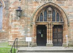 St. Michael's Church, Linlithgow, Scotland www.stephentravels.com/top5/entryways