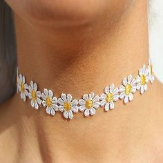Susenstone®Women Daisy Flower Choker Chain Charm Necklace Bohemia Jewelry: Package Content: br Women Delicate Daisy Flower Choker Chain Charm Necklace Bohemia Jewelry (Without retailing packing) Tattoo Choker Necklace, Lace Necklace, Collar Necklace, Pendant Necklace, Necklace Chain, Steampunk Necklace, Steampunk Diy, Gemstone Necklace, Flower Choker